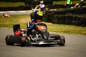 Thiago Izequiel começou a correr em 2007 no Kart indoor de lazer e em 2010 passou a participar de competições amadoras. (foto: Divulgação)