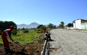 Via que vai compor o sistema binário de trânsito ligando à Barra começa a ter o trecho inicial preparado. (foto: Fernando Silva)