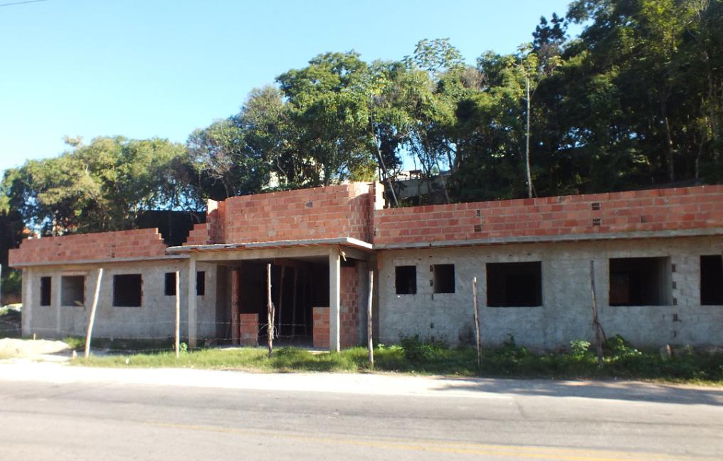 No Centro, obras posto de saúde paradas por falta de verba. (foto: João Henrique / Maricá Info)
