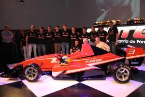 Thiago Izequiel, de Maricá, participou de lançamento da Fórmula Inter. (fotos: Divulgação)