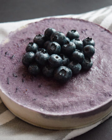 Vegan Blueberry Açai Cheesecake