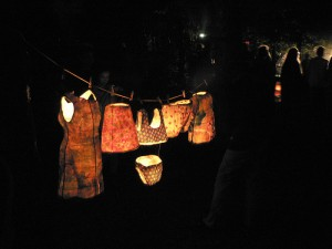 A clothes line can be fashionable, fun, a source of endless variety and creativity. Image: Felixe via flickr.