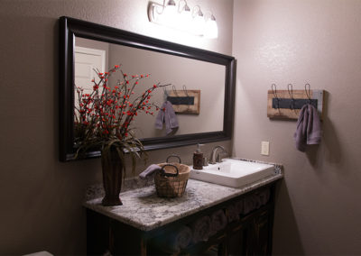 Hunting Lodge - Bathroom