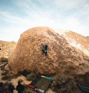 Joshua Tree Bouldering - Girl Beta & Videos. Jackie Trejo climbs the high ball Lynn Hill Memorial Face Problem LHMFP