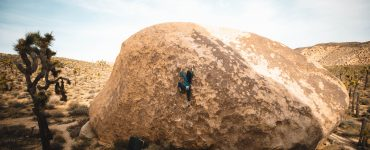 Joshua Tree Bouldering - Girl Beta & Videos. Jackie Trejo climbs the high ball Lynn Hill Memorial Face Problem LHMFP