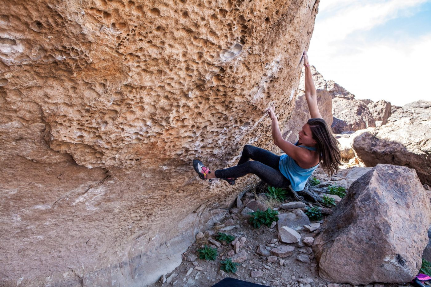 Bishop Bouldering: Amanda Jaramillo climbs Morning Dove White in the Happy Boulders