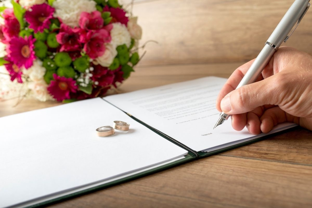 How to Change Your Name After Marriage in Arizona