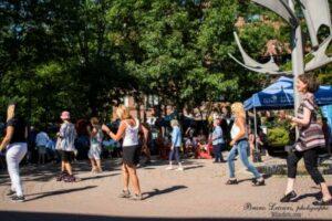 Danse extérieure estivale ville de Québec
