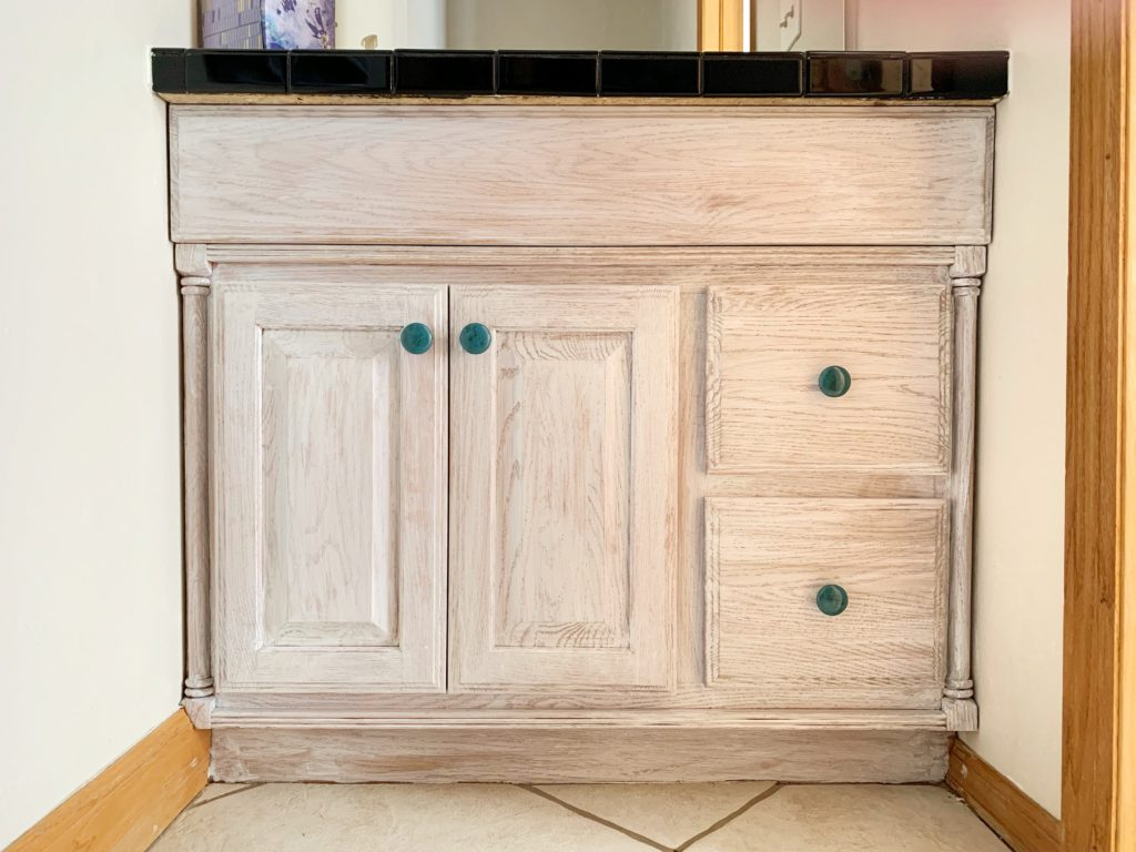 Diy Distressed Whitewashed Farmhouse Vanity Refacing For Under 40 Realbestlife
