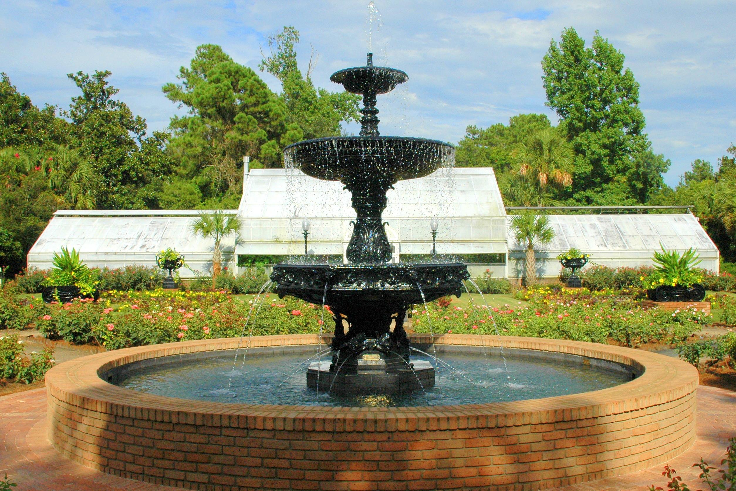 2010 (2) Rose Garden Fountain