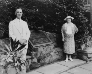 Walter and Bessie Bellingrath with the newly installed plaque in 1938.