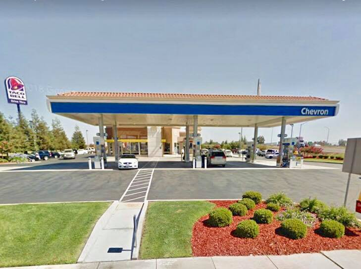 Female attempts to steal air fresheners at Chevron in Livingston