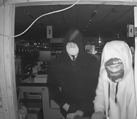 Caught on video: R-N Market burglarized in Atwater