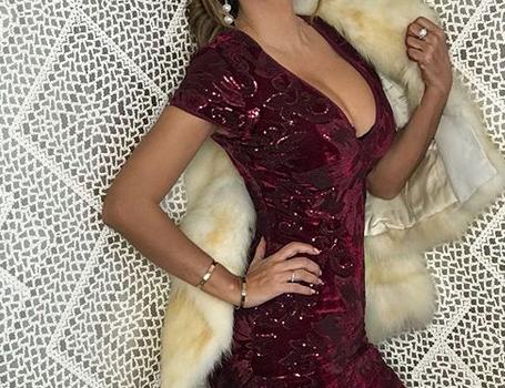 ¡Desborda belleza Ninel Conde con vestidos súper pegados!