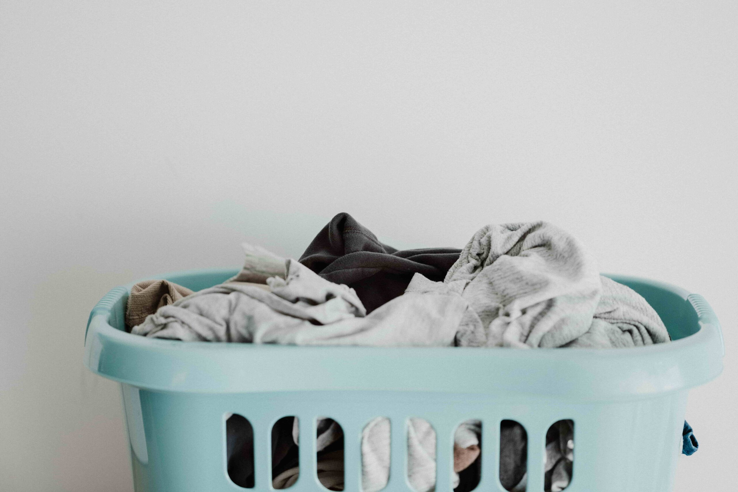 How To Know If It's Time To Toss Out Your Old Clothes?