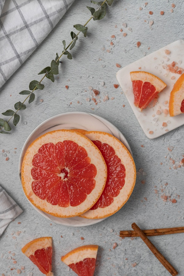The Benefits of Pink Grapefruit Essential Oil