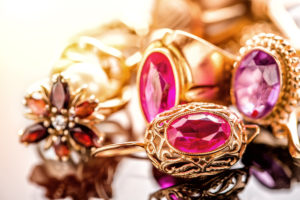 sell antique jewelry
