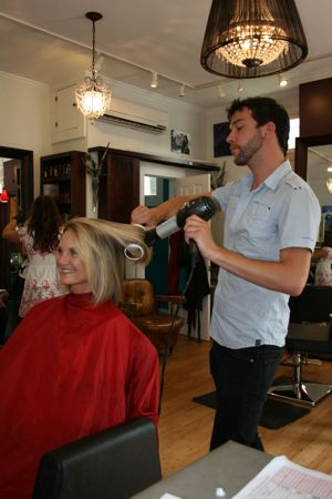 Downtown Charleston Salon in Elliotborough