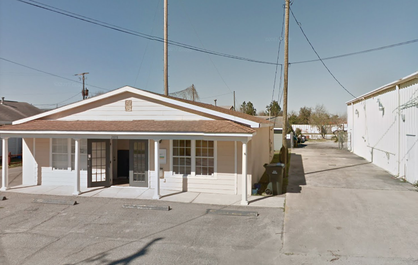 Commercial building for lease in Charleston SC