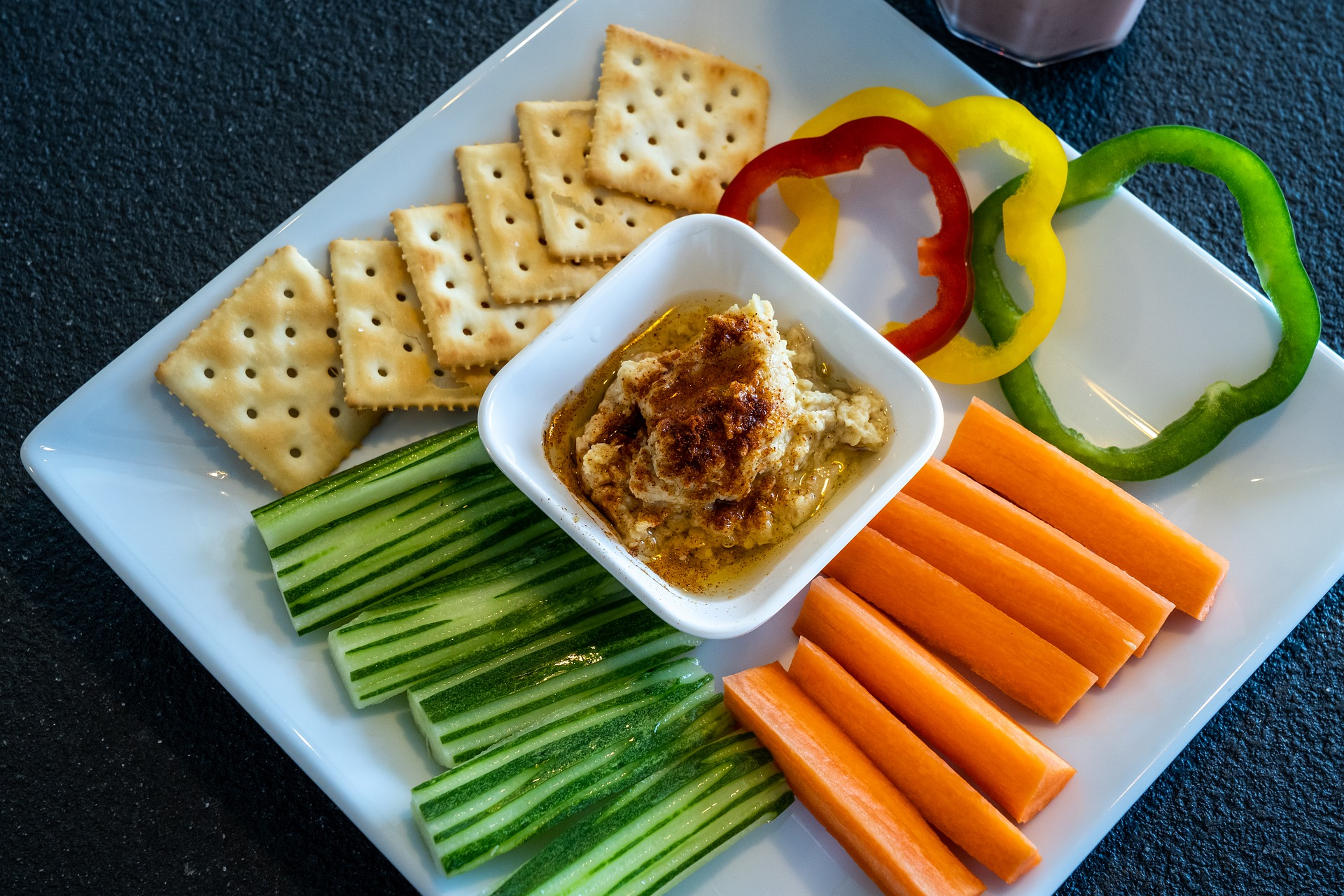 self-discipline, healthy-eating-habits, how-to-self-discipline, health-tips, hummus, veggies