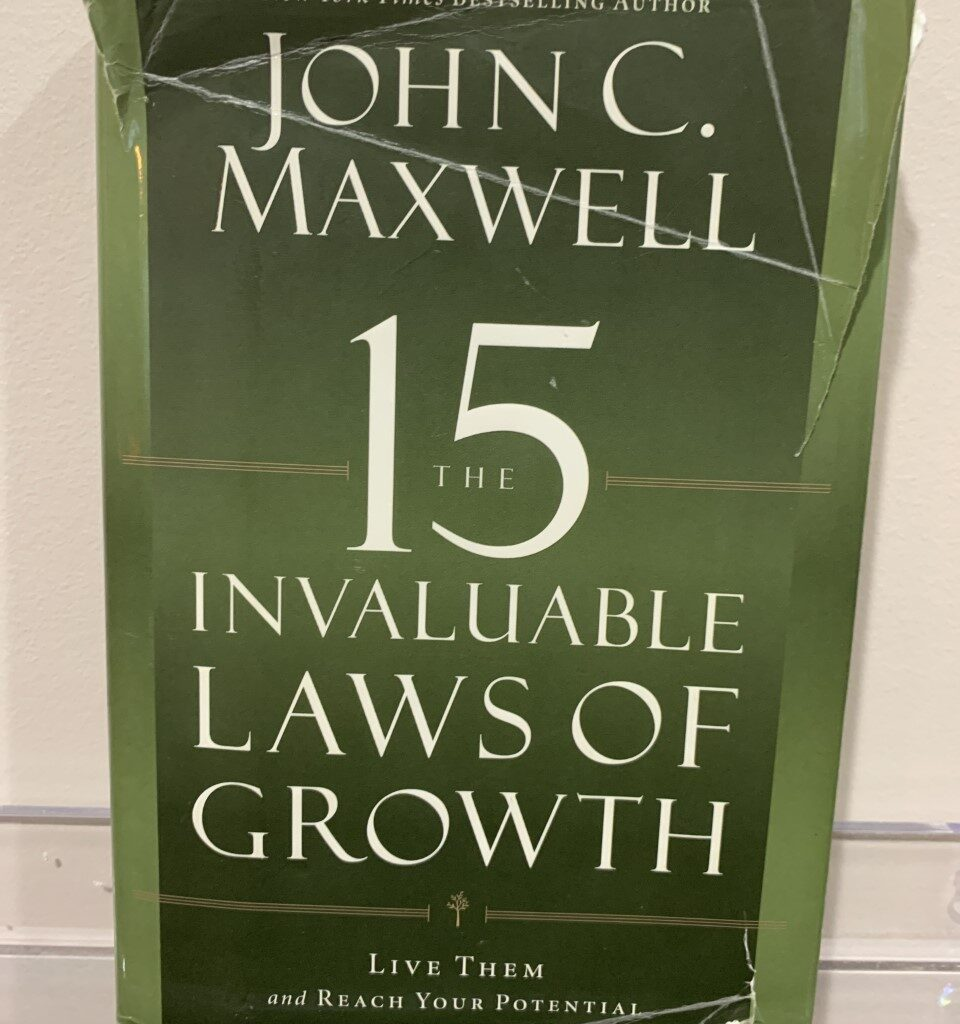 invaluable-laws-of-growth, john-c-maxwell-books, motivational-blog, michigan-blog, woohooing,