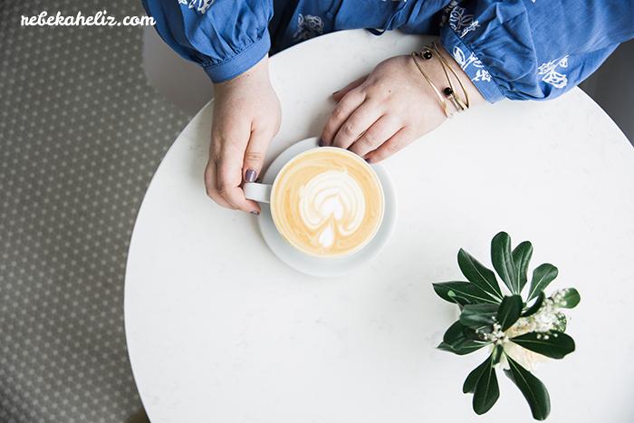 monarch coffee, coffee, kansas city, outfit photos, kcmo