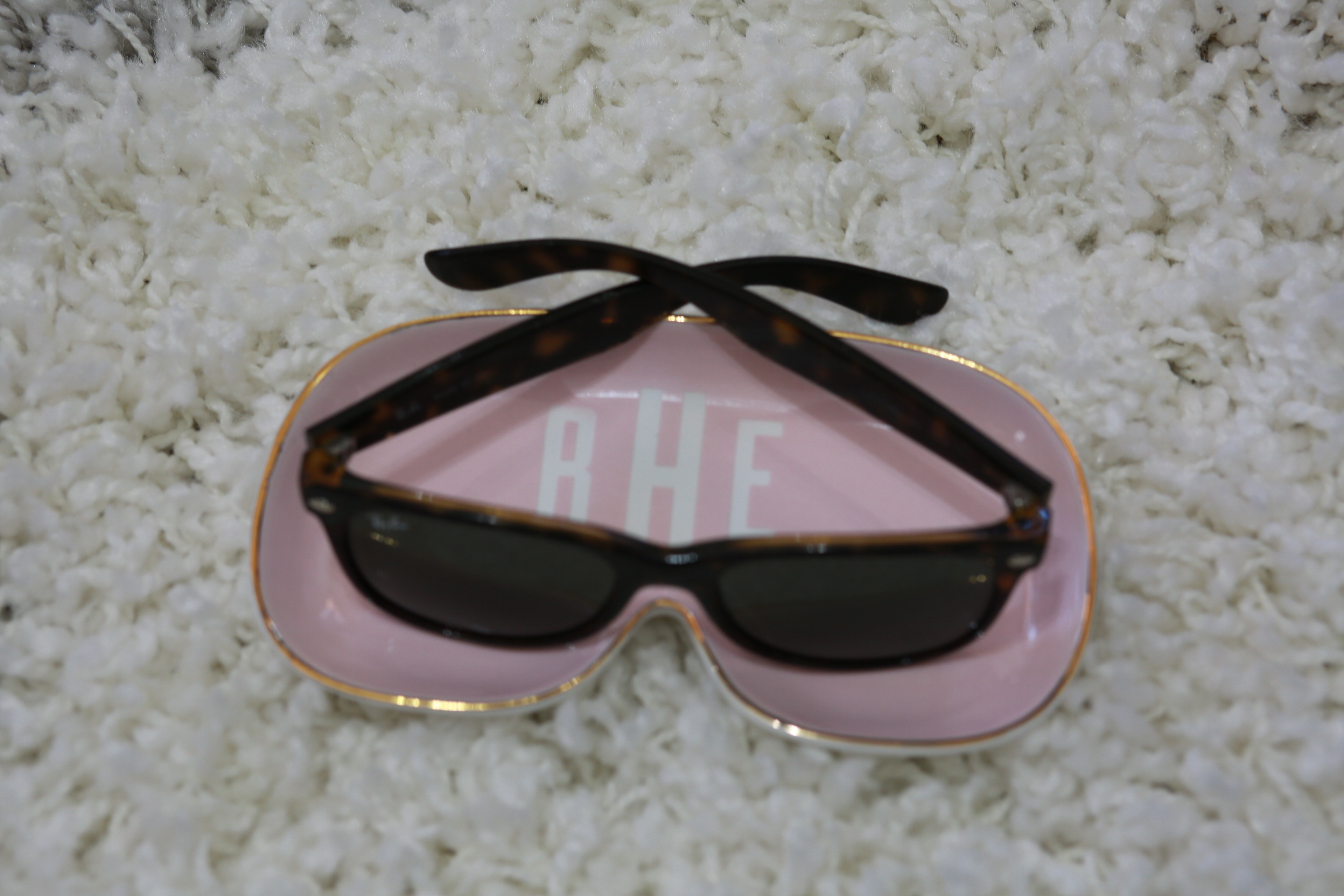 sunglasses storage, sunglasses, #rebekahelizstyle, #rebekahelizhome, sunnies, storage, how to store sunglasses, oyobox, monogrammed catchall, mark and graham, monogram