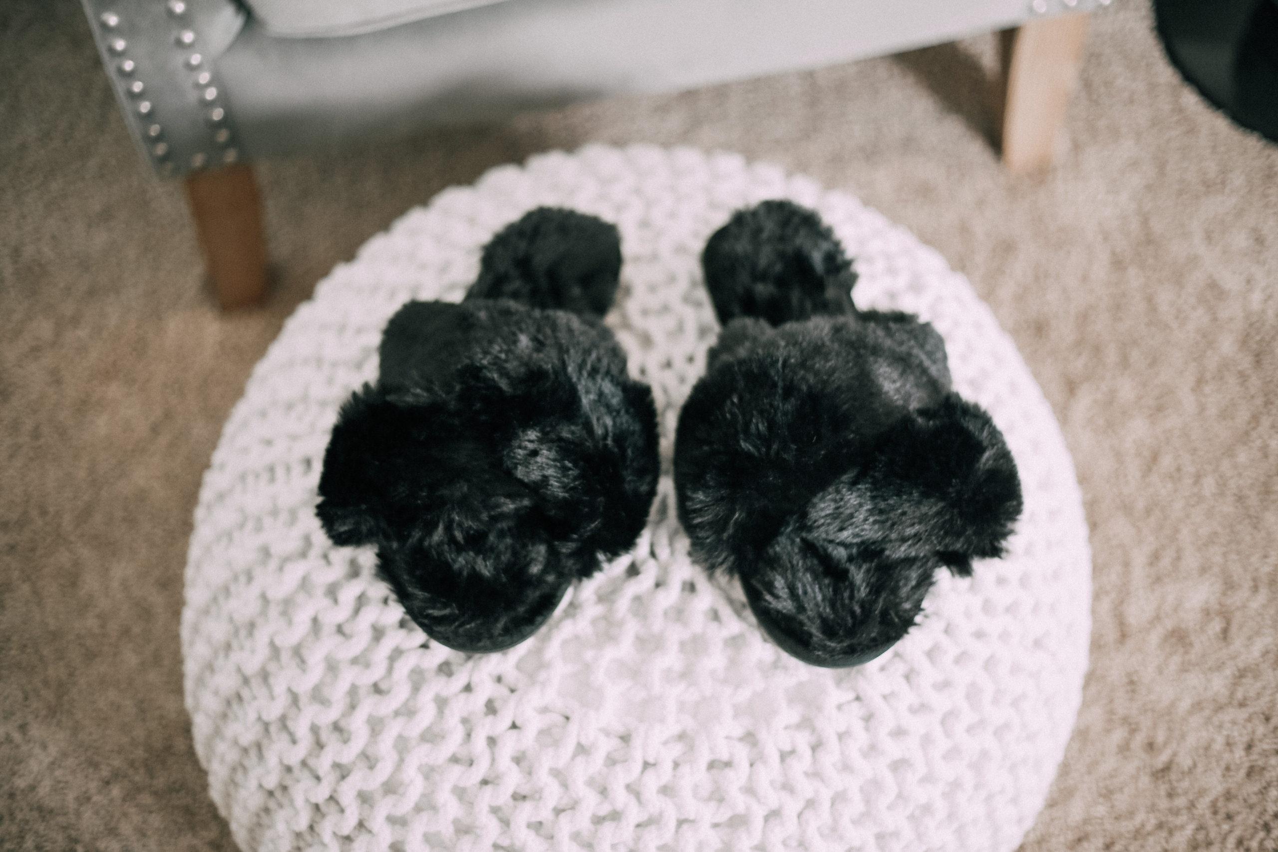 amazon finds, slippers, amazon, amazon prime, fuzzy slippers