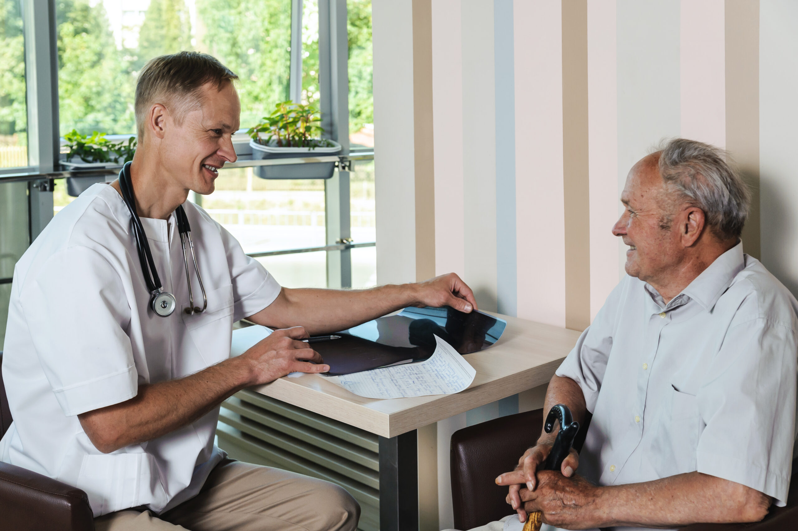 Medical consultation between physician and patient following mobile diagnostic care