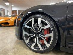 2011-Audi-R8-Spyder_17