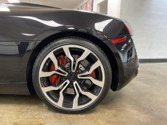2011-Audi-R8-Spyder_18