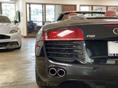 2011-Audi-R8-Spyder_20
