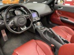 2011-Audi-R8-Spyder_25