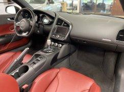 2011-Audi-R8-Spyder_29