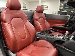 2011-Audi-R8-Spyder_32