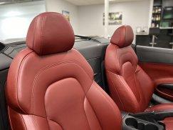2011-Audi-R8-Spyder_33