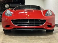 2011_Ferrari_California10