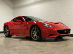 2011_Ferrari_California12