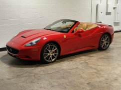 2011_Ferrari_California2