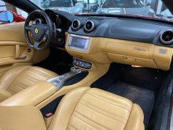 2011_Ferrari_California33