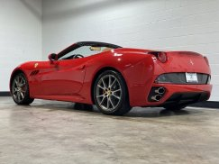 2011_Ferrari_California6