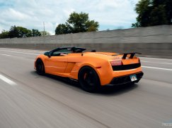 2011_Lamborghini_Gallardo_Performante37