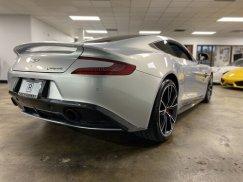 2014_Aston_Martin_Vanquish17