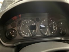 2014_Aston_Martin_Vanquish43