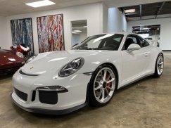 2015_Porsche_911_GT319