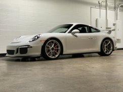 2015_Porsche_911_GT32