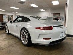2015_Porsche_911_GT320