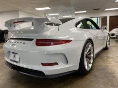 2015_Porsche_911_GT321
