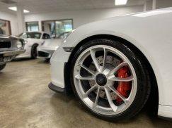 2015_Porsche_911_GT331
