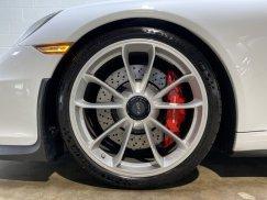 2015_Porsche_911_GT332
